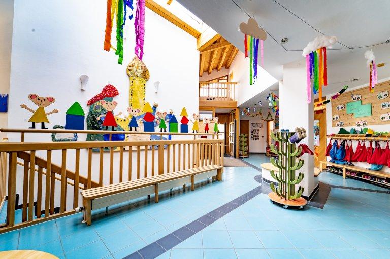 Kindergarten Straß - Garderobe-Eingang