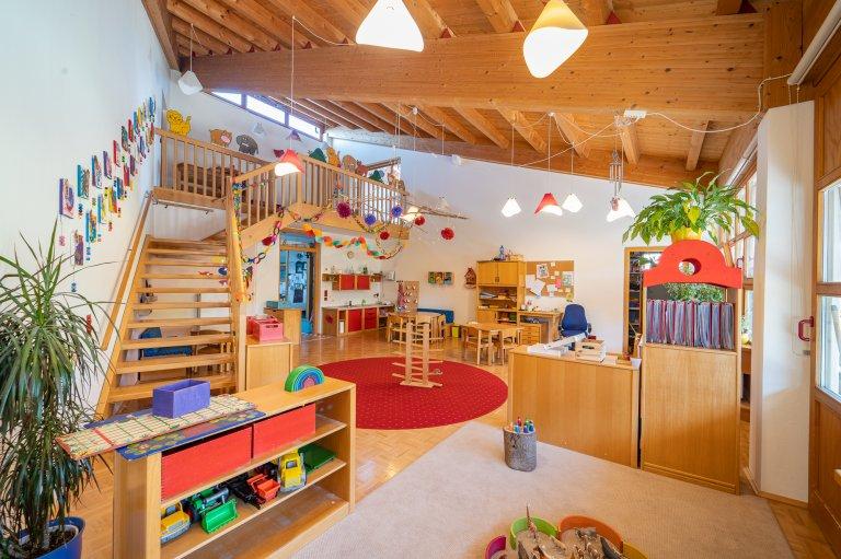 Gruppenraum_ROTE-GRUPPE_KindergartenStraß_2