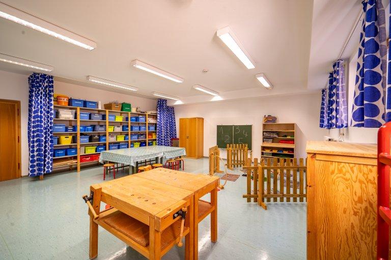 Eingangbereich_Werkstatt-Turnhalle_KindergartenStraß_1