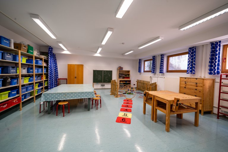 Eingangbereich_Werkstatt-Turnhalle_KindergartenStraß_3